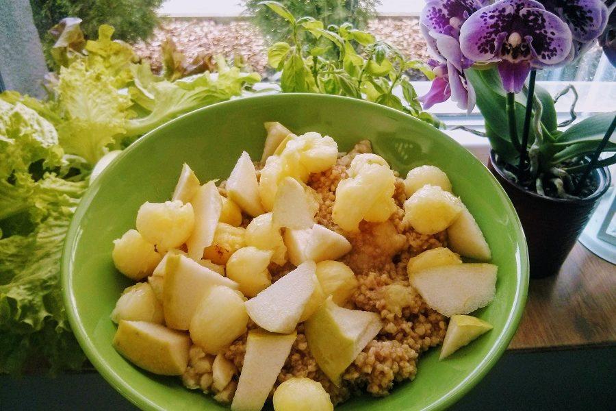 zdrowe śniadanie z kaszy jaglanej